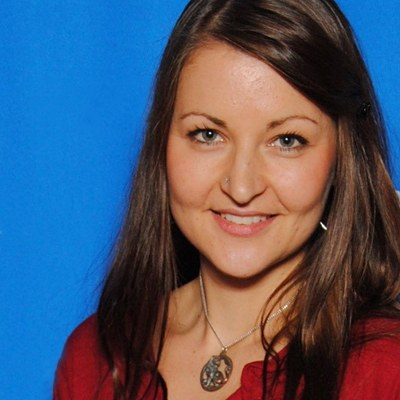 Juliane Schicker Headshot