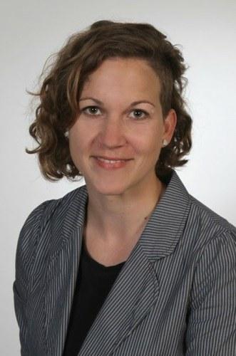 Sarah M. Henneböhl Headshot